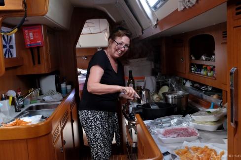 Oma maakt haar beroemde nasi